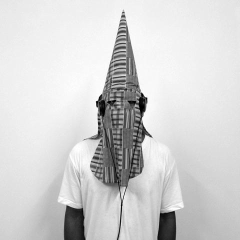 BrittoWhiteTee&Headphones2011