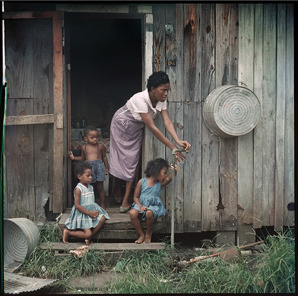 gordon parks a segregation story 1956 africanahorg