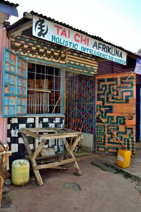 Craig4Signpainting in Kibera