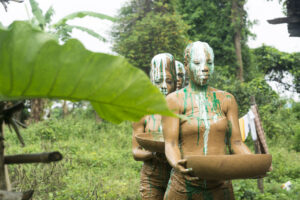 JoyceAkudaaya a performance art by Yusuf Durodola with the participants of Communal Re-Imagination, an Alternative Art School programme in Iwaya Community. Photo by VAL Workstation 5 2018