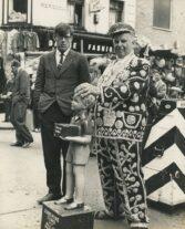 James Barnor, Pearly King, Petticoat Lane Market, London, 1960s, Courtesy Galerie Clémentine de la Féronnière